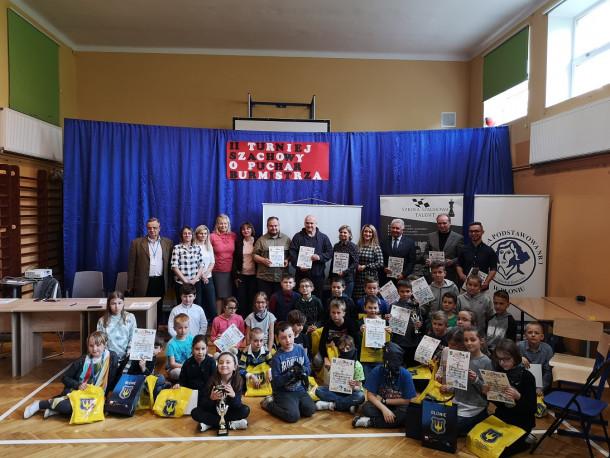 Szkoła Szachowa TALENT pomogła w organizacji turnieju szachowego w Błoniu.